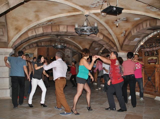 Hotel Óbester - John Bull Pub Salsa Ritmo Debrecen